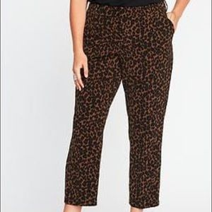 NWT Old Navy Leopard Harper Pants 8